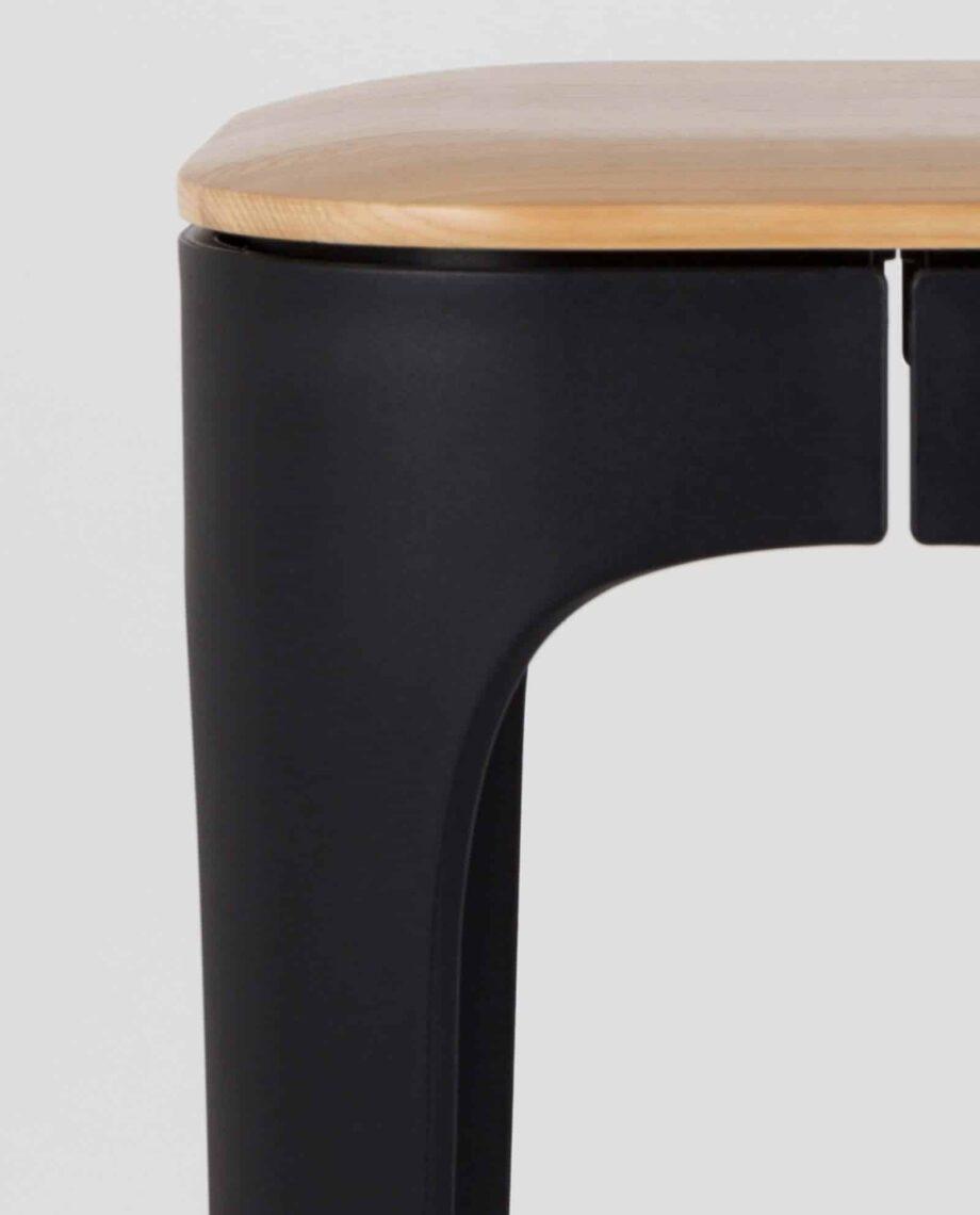 Up High barkruk zwart Designshopp 3