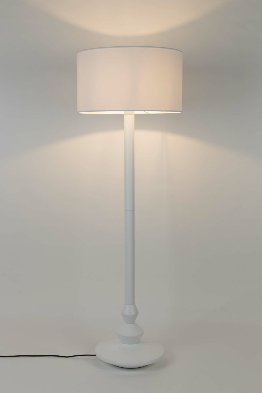 Finlay vloerlamp Zuiver wit 2