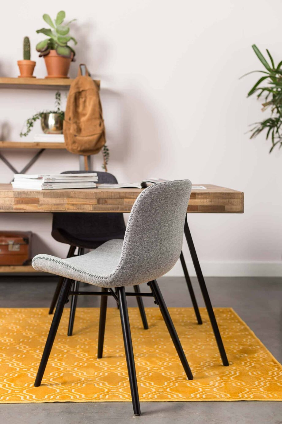 Lester stoel Designshopp lichtgrijs 10